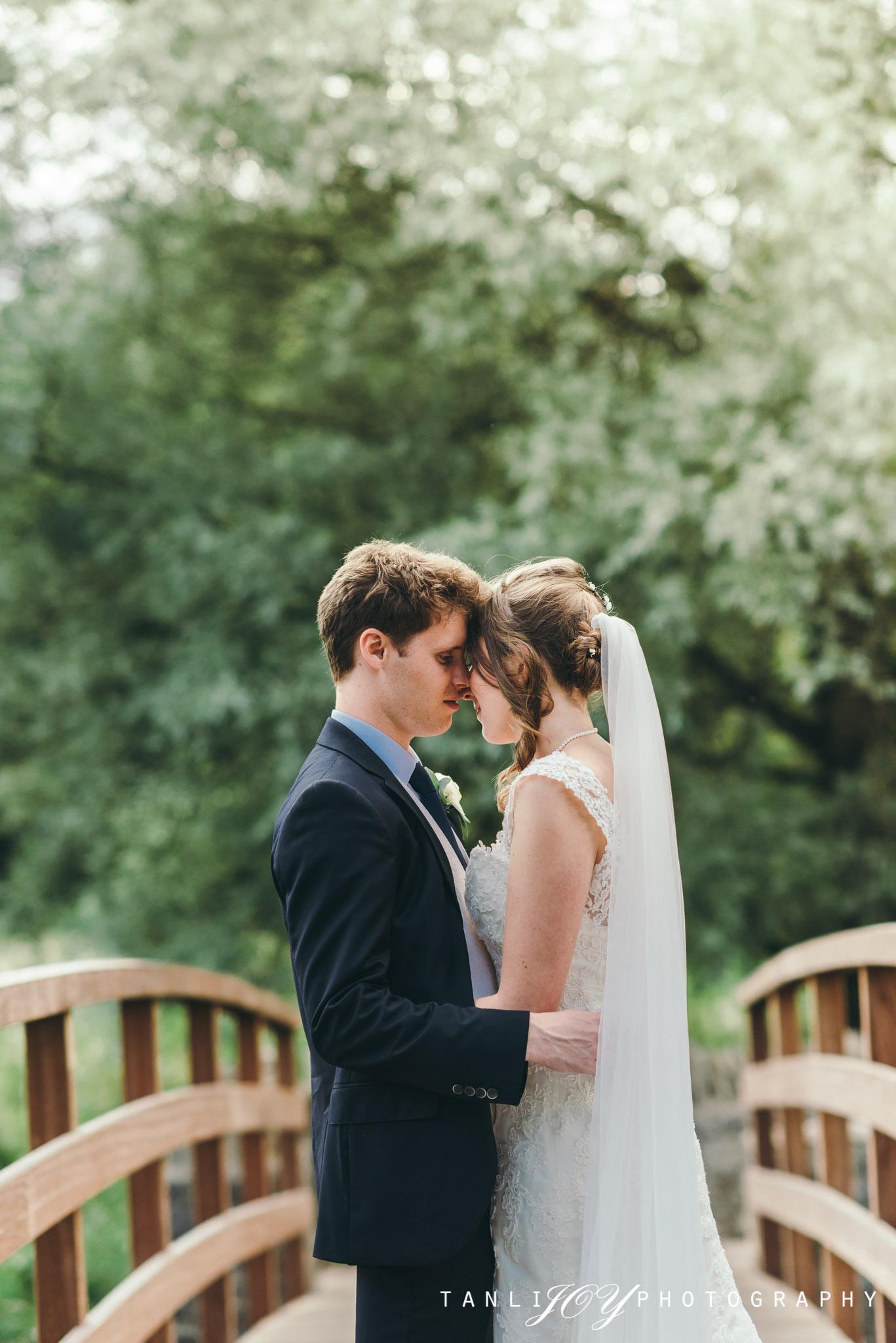 Swan Hotel Bibury Wedding Cirencester Photographer